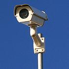 機器を使用した施設警備の画像